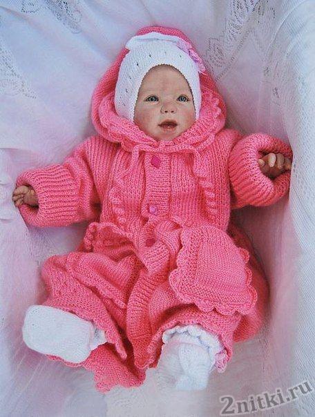 Детское пальто вязаное спицами