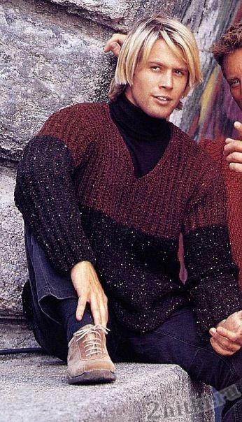 Двухцветный пуловер с V-образным вырезом