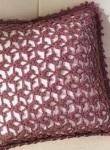 Коричневая декоративная подушка