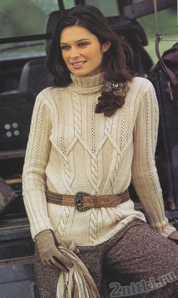 Пуловер с круглым воротником и рельефным узором
