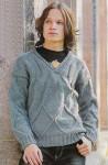 Вязаный свитер для юноши с ромбами