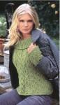 Узорчатый зеленый пуловер вязаный спицами