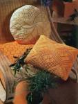 Ажурные подушки пастельных тонов
