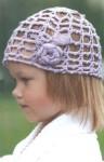 Сиреневая шапочка для девочки