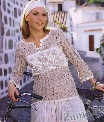 Пуловер с узорной полосой из роз