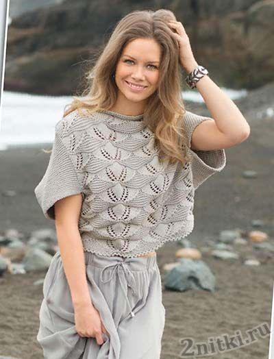 Пуловер-конверт рельефным узором