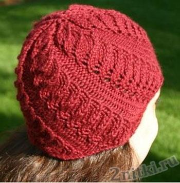 Осенняя шапка с витым узором